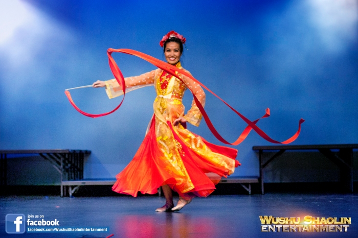 Wushu Shaolin Entertainment offers exquisite Chinese Female Ribbon and Flag Dance performances.